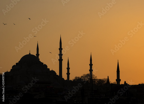 Printed kitchen splashbacks Turkey Silhouette of the old town - Sultanahmet mosques in setting sun in Istanbul Turkey. Istanbul old town has many mosques to give a silhouette of minarets