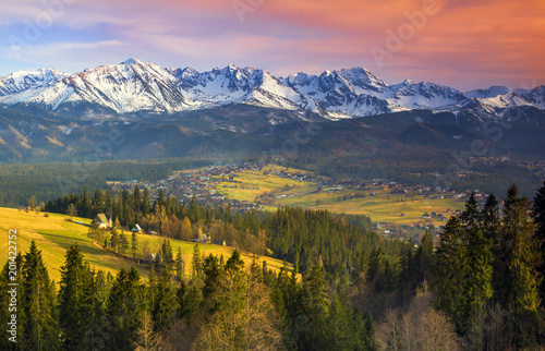 Foto auf Gartenposter Gebirge Polish mountains Tatry at sunset
