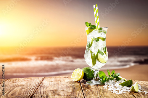 Tuinposter Cocktail summer drink on beach