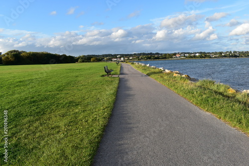 Photo Footpath in Baiter Park, Poole