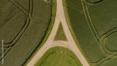 Fotografie, Obraz  Weggabelung Kreuzung einer Straße bzw. Feldweg