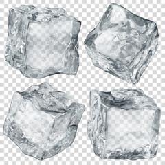 Zestaw czterech realistycznych półprzezroczystych kostek lodu w kolorze szarym na przezroczystym tle. Przejrzystość tylko w formacie wektorowym