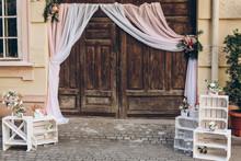 Rustic Wedding Photo Zone. Woo...