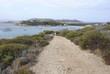 Camino hacia la playa, Isla de Cerdeña, Italia, Costa Esmeralda