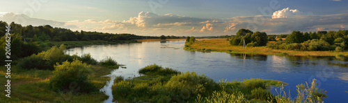 Foto op Aluminium Rivier Summer wide-angle panorama of the river