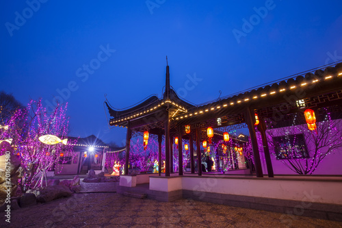 Tuinposter Singapore Chinese traditional buildings at night