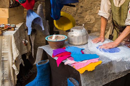 Fotografie, Obraz  Lavorazione panni cenci - Limatola Castello