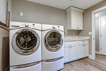 Laundry Room With Taupe Walls ...