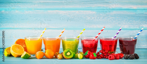 Keuken foto achterwand Sap Various freshly squeezed fruits juices
