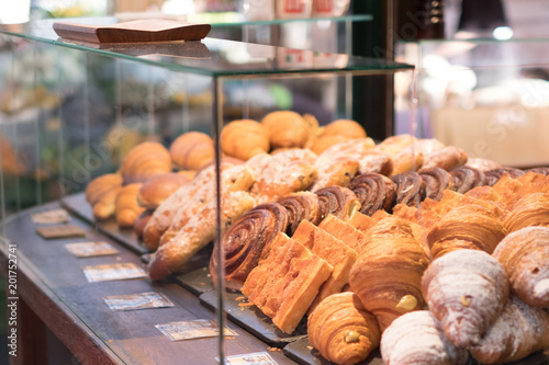 Fototapeta  bake pastry  - bakery window - pastries obraz