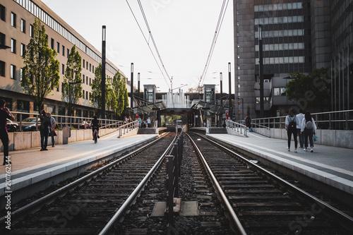 Staande foto Spoorlijn S-Bahnhof