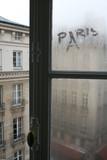 Fototapeta Fototapety Paryż - Paris, France okno na poddaszu