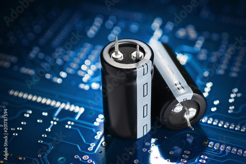 Printed circuit board and capacitor