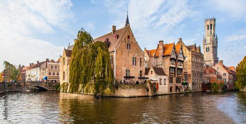 In de dag Brugge Brugge medieval historic city. Brugge streets and historic center, canals and buildings. Brugge popular touristic destination of Belgium.