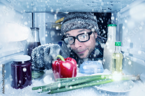 Fotografía  Es schneit im Kühlschrank