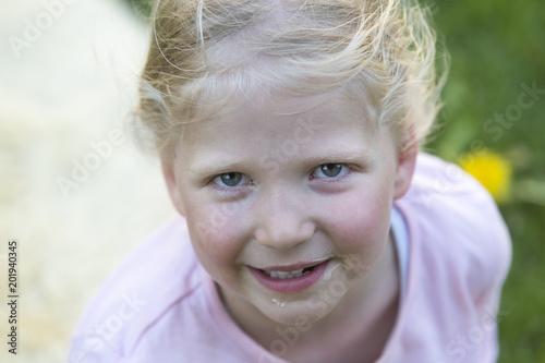 hübsche mädchen blond