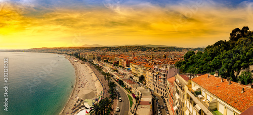Photo  Panoramic view of Nice in the evening after sunset