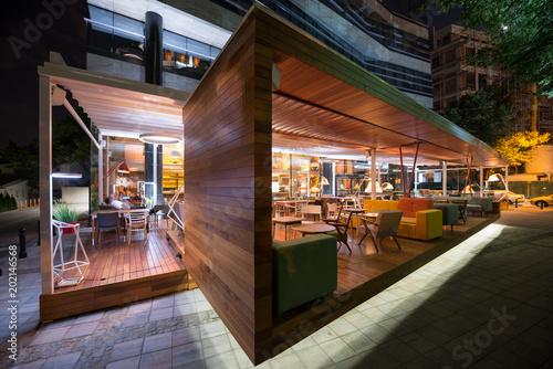 Photo  Restaurant terrace in the summer night