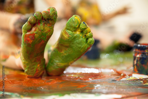 Cuadros en Lienzo Foot feet are painted with colors