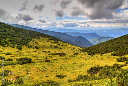 Foto op Aluminium Bleke violet Beautiful mountain landscape