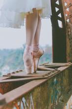 Bailando En El Puente, Urbana,...