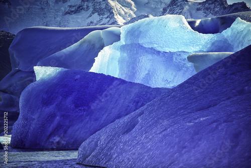 La pose en embrasure Bleu fonce Iceberg