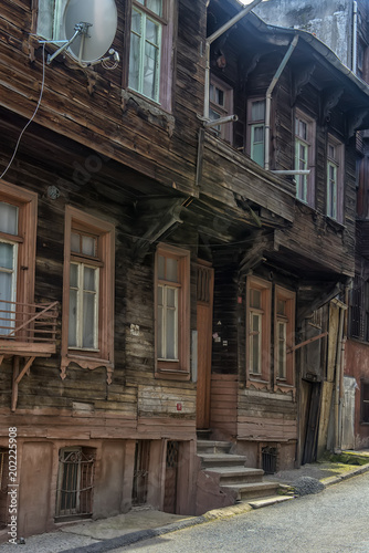 Foto op Plexiglas Chicago Old wooden houses in the historical part of Istanbul