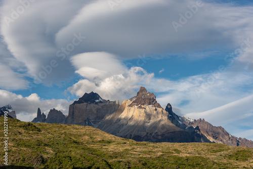 Foto op Plexiglas Donkergrijs Patagonia mountains