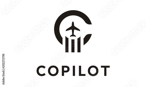 Initial Letter C Copilot Plane Aircraft logo design vector Fototapet