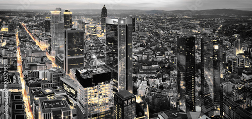 Fototapety, obrazy: Black and white photography of Frankfurt. High resolution aerial panoramic view of Frankfurt, Germany at dusk.