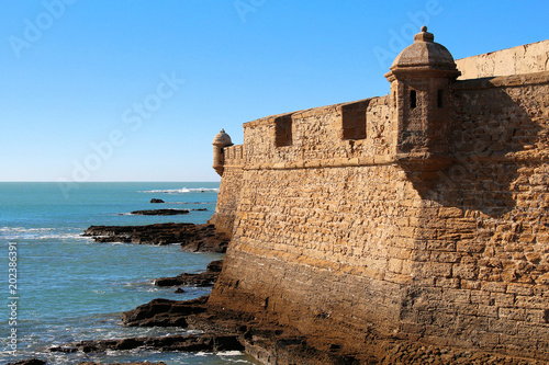 Papiers peints Fortification Kastell San Sebastian in Cadiz
