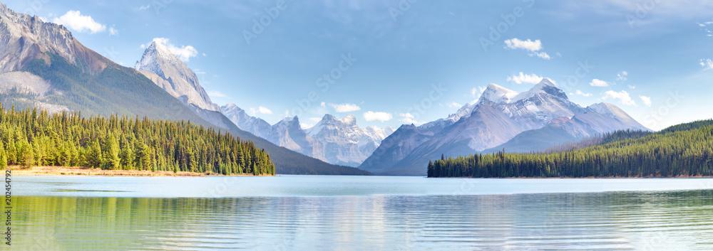 Fototapety, obrazy: Maligne Lake in Jasper national park, Alberta, Canada