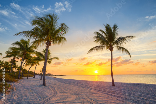Poster de jardin Plage Sunrise on the Smathers beach - Key West, Florida