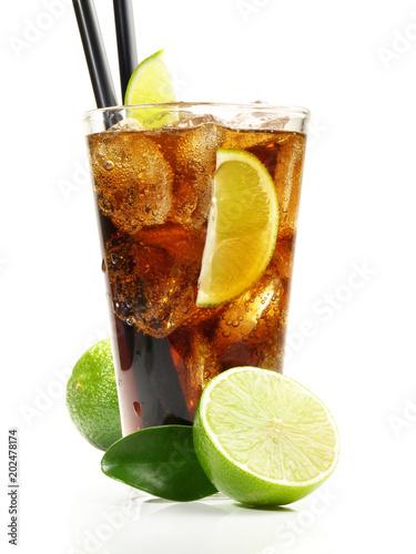 Cola mit Limette auf Eis - Cuba Libre