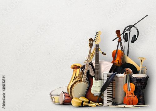 instrumenty-muzyczne-orkiestra-lub-kolaz