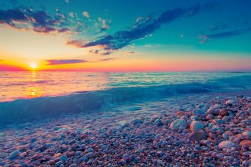 Panel Szklany PodświetlaneBeautiful sunset above sea. Seascape background