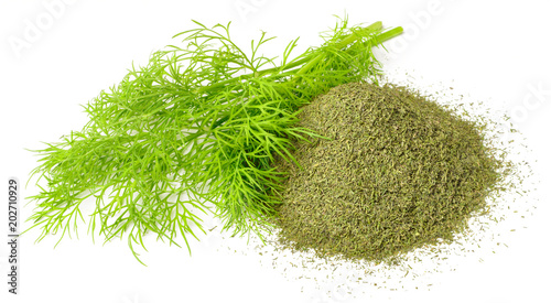 Fotomural dried dill weed and fresh dill weed isolated on white