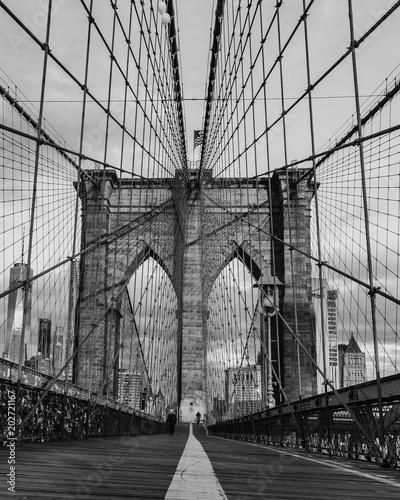 Spoed Fotobehang Brooklyn Bridge Brooklyn bridge and Manhattan skyline early morning