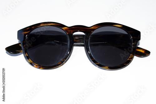 Gafas de sol, Fondo blanco