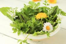 Wildkräutersalat Salat Blüte...