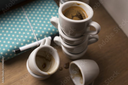 Obraz empty coffee cups - fototapety do salonu