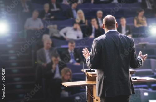 Vászonkép Sprecher auf einer Konferenz, Rede halten