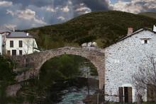 Pont Vieux Saint Jean Du Bruel