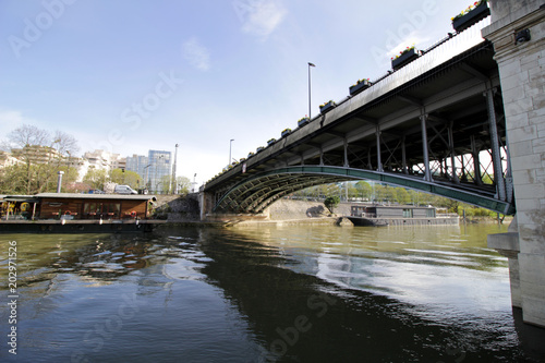 Photo Courbevoie - Pont de Levallois