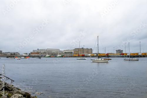 Zdjęcie XXL Dublin, Irlandia, 28 października 2012 r .: Budynki i łodzie