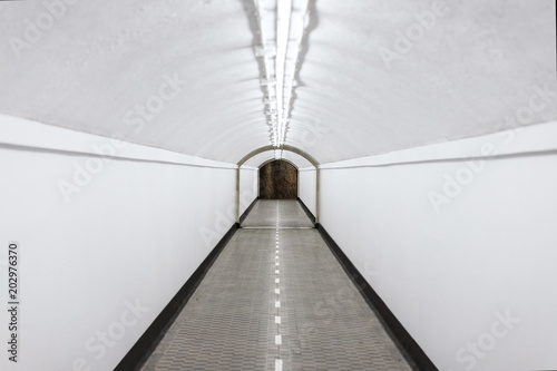 Fotografía  Tunel long white surreal poetic