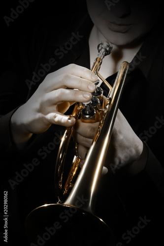 Foto op Plexiglas Muziek Trumpet player. Trumpeter playing jazz instrument