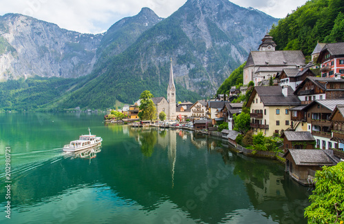 Fotografie, Obraz  Scenic picture-postcard view of famous Hallstatt mountain village in the Austria
