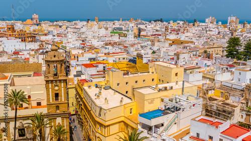 Papiers peints Lieu d Europe Küste von Cádiz mit Kathedrale