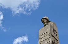 Mémorial Marin De Plougonvel
